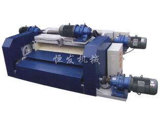 TQX1400型数控无卡旋切机
